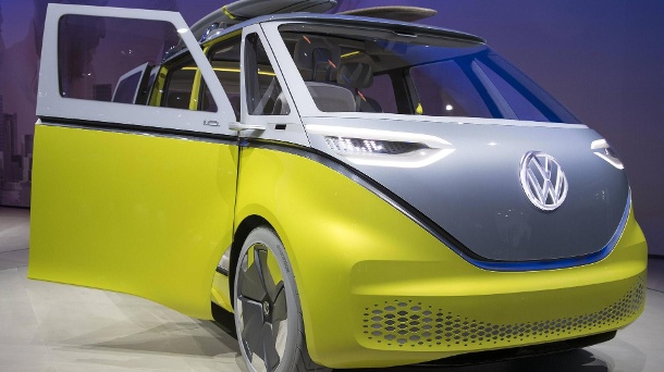 "Volkswagen Zukunfts-Transporter ""I. D. Buzz"": Apple will ans Steuer. (Quelle: imago images)"