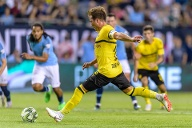 Mario Götze beim International Champions Cup in Chicago gegen Manchester City. Er versenkte den Elfmeter zum 1:0-Sieg. (Quelle: imago images/ZUMA Press)