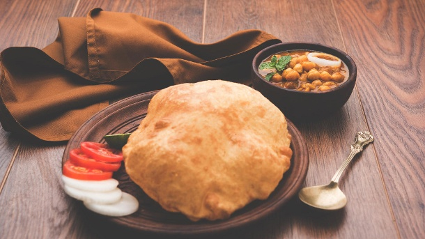 Bhatura: Indisches Fladenbrot in Ballonform. Bhatura: Indisches Fladenbrot in Ballonform (Quelle: Thinkstock by Getty-Images)