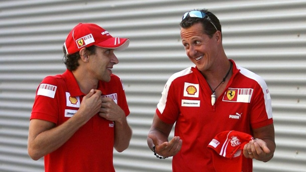 Bild vom August 2009: Luca Badoer (links) und Michael Schumacher. (Quelle: imago/ZUMA Press)