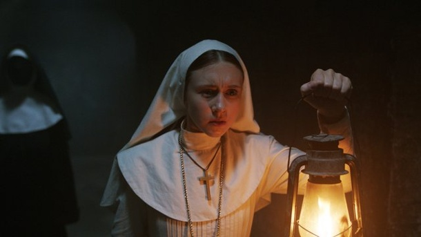 "Kinocharts Nordamerika: Gruselfilm ""The Nun"" ganz oben. Taissa Farmiga als Schwester Irene in ""The Nun""."