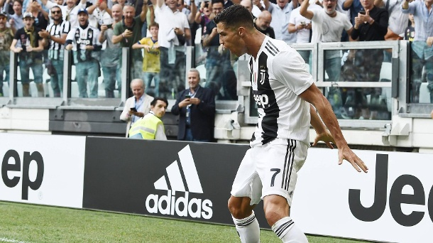 cristiano ronaldo beendet torflaute bei juventus turin mit doppelpack video. Black Bedroom Furniture Sets. Home Design Ideas