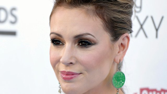 Did alyssa milano die-8256