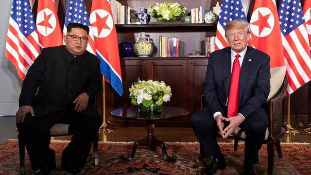 Totally in Love - Trump singt Loblied auf Kim