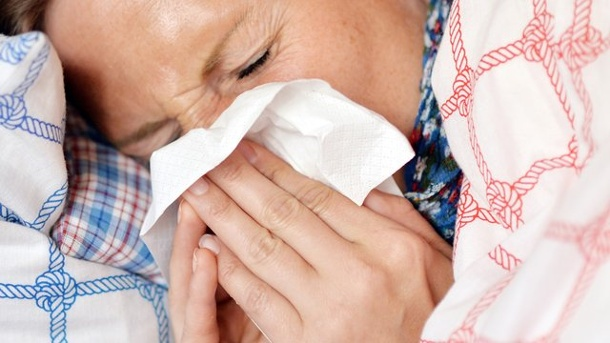 gesund durch den winter welche symptome deuten auf eine grippe hin. Black Bedroom Furniture Sets. Home Design Ideas