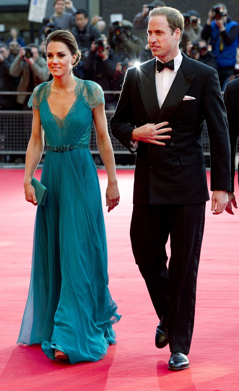 Gala in der Royal Albert Hall im Jahr 2012: Kate und William beim Gang über den Red Carpet. (Quelle: Alastair Grant - WPA Pool/Getty Images)