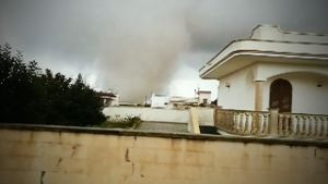 Mehrere Tornados in Italien (Screenshot: Reuters)