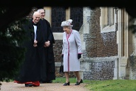 Queen Elizabeth II.: Die Monarchin verlässt die St.-Mary-Magdalene-Kirche in Sandringham. (Quelle: Stephen Pond/Getty Images)