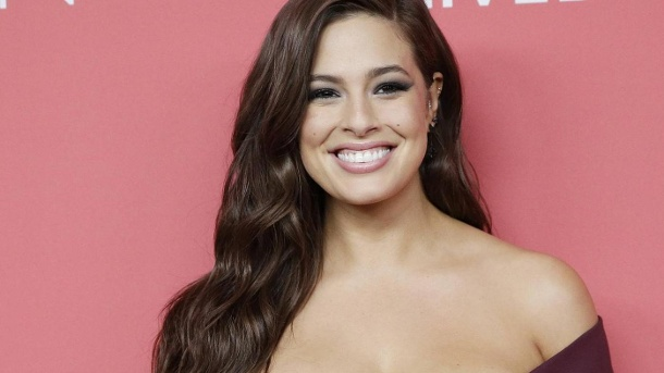 "Curvy-Model verrät: ""Ich habe mit halb New York geschlafen"". Ashley Graham : Sie war das erste Plus-Size-Model, das in der ""Sports Illustrated"" abgebildet wurde.  (Quelle: imago/John Angelillo)"