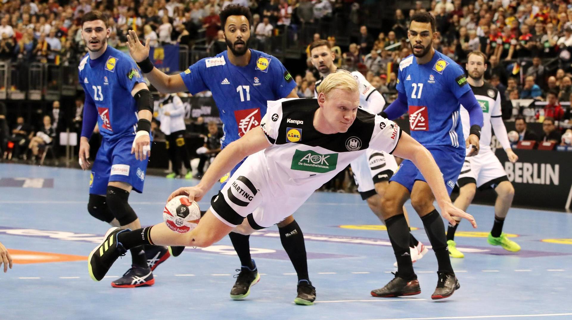 Handball World Cup in the Ticker: Will Germany take the lead this time? Patrick Wiencek flies towards goal: Germany had World Champion France on the verge of defeat. (Source: Contrast)