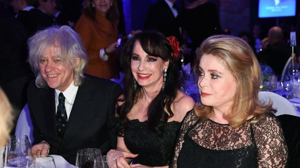 Cinema For Peace: Catherine Deneuve will grenzenlose Vielfalt im Kino. Bob Geldof, Anna Maria Kaufmann und Catherine Deneuve bei der Charity-Gala der Initiative Cinema for Peace.