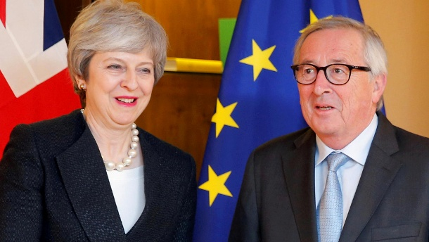 British Prime Minister Theresa May meets with European Commission President Jean-Claude Juncker in Strasbourg (Quelle: Reuters/Reuters / Vincent Kessler)