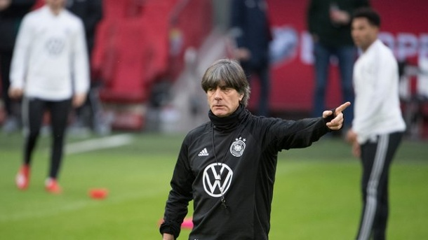 Fussball Nationalmannschaft Heisser Start In Em Quali