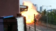 Sprengung einer Autobombe in Sri Lanka. (Quelle: Reuters)