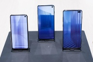 Samsung Galaxy S10e, S10 with 5G and S10+ (Quelle: imago images/Joan Cros)