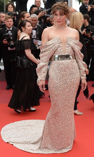 May 24 2019 Cannes France CANNES FRANCE MAY 24 Milla Jovovich attends the screening of Sib (Quelle: imago images / Frederick Injimbert)