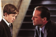 "1999 in ""The Sixth Sense"" mit Bruce Willis (Quelle: imago images/United Archives)"