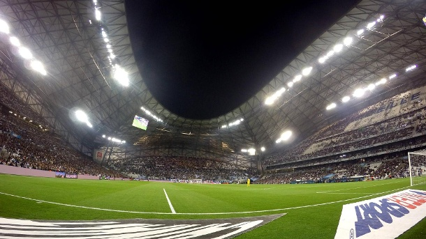 Financial Fairplay: Olympique Marseille muss Strafe zahlen. Stade Velodrome: Heimstätte von Olympique Marseille. Der Klub hat gegen das Financial Fairplay verstoßen. (Quelle: imago images/Buzzi)
