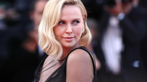 Charlize Theron: In ihrem neuen Film 'Long Shot' spielt sie eine Politikerin. (Quelle: Photo by Chris Jackson/Getty Images)