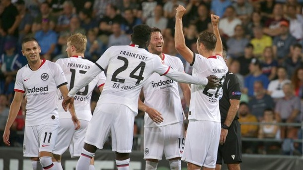 Europa-League-Qualifikation: Eintracht Frankfurt fertigt Vaduz ab - Play-offs fast fix. Eintracht Frankfurt gewann locker in Liechtenstein.