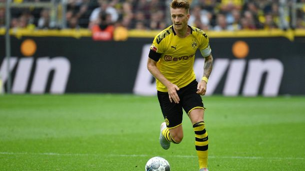 Marco Reus am Ball. (Quelle: imago images/EIBNER)
