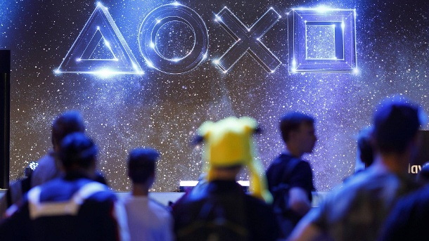 PS5-Livestream-Event: Sony verrät neue Details zur Playstation 5. Symbole von Playstation auf der weltgrößten Computerspielmesse Gamescom 2019 im Congress Centrum Nor (Quelle: imago images/C Hardt Future Image)
