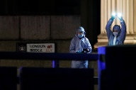 Die Spurensicherung am Tatort London Bridge. (Quelle: Reuters)