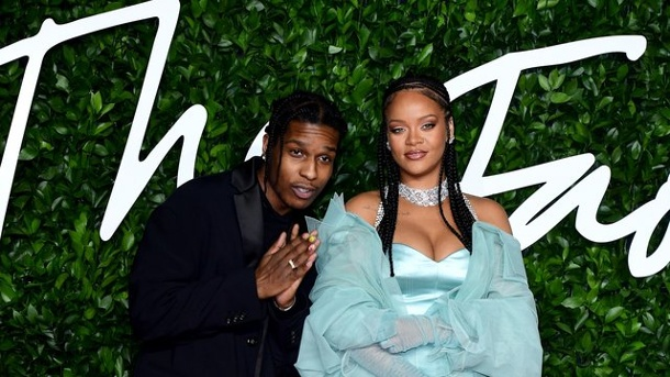 Auszeichnung: Rihannas Modelabel erhält Fashion Award. A$AP Rocky und Rihanna bei den British Fashion Awards in London.