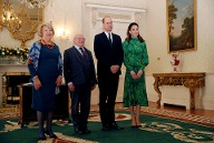 Nach der Ankunft steht ein Treffen mit Irlands Präsident Michael D. Higgins und seiner Frau Sabina Coyne an. (Quelle: Phil Noble - Pool/Getty Images)