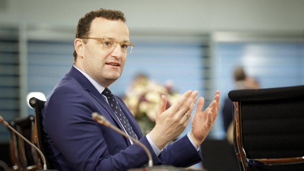 Jens Spahn: The Federal Minister of Health is dampening expectations when looking for a corona vaccine. (Source: imago images / photothek)