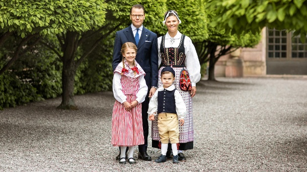 Die Familie der Kronprinzessin im Juni 2020 (Quelle: Linda Broström, The Royal Court of Sweden)