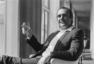 1971: Sean Connery bei einem Termin in London (Quelle: Terry Disney/Express/Getty Images)