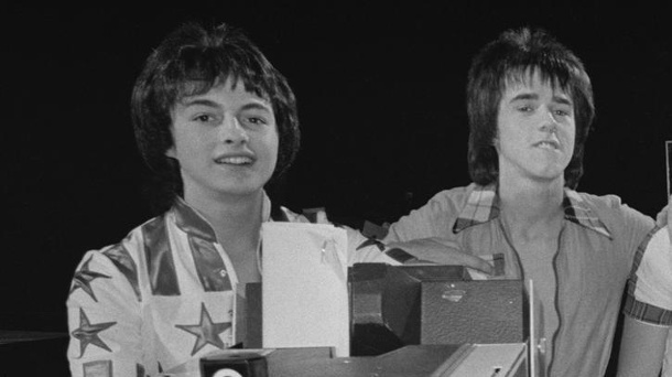 """Ehemaliges Bandmitglied der Bay City Rollers ist tot . """"Bay City Rollers"""": Ian Mitchell und Stuart Wood (Quelle: Evening Standard/Hulton Archive/Getty Images)"""