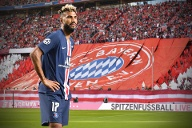 Wie der deutsche Rekordmeister am Montagnachmittag bekannt gab, wechselt Eric Maxim Choupo-Moting von Paris St. Germain an die Isar.  (Quelle: imago images/Sven Simon)