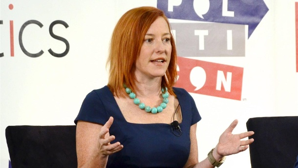 Jen Psaki auf einer Konferenz in Pasadena.  (Quelle: imago images/Billy Bennight)