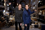 "James und Oliver Phelps: Sie spielten Fred und George Weasley in den ""Harry Potter""-Verfilmungen. (Quelle: Jeff Spicer/Getty Images for Warner Bros. Studio Tour London)"