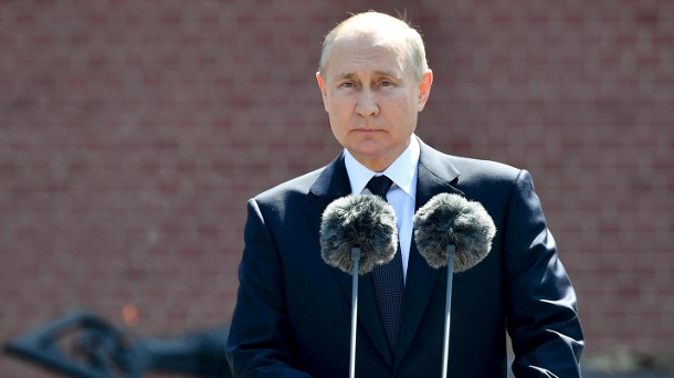 """In a guest post: Putin accuses USA of organizing a """"coup d'état"""" in Ukraine. Vladimir Putin: At a ceremony in Moscow, the Russian President commemorated the Red Army soldiers who died in World War II. (Source: AP / dpa / Alexei Nikolsky / Sputnik)"""