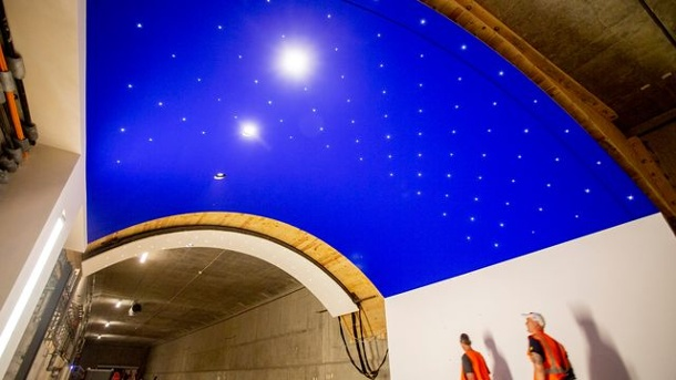 The electric starry sky of the Museumsinsel underground station. (Source: dpa)