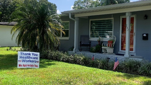 Moral support from Orlando's front gardens (Source: Bastian Brauns)