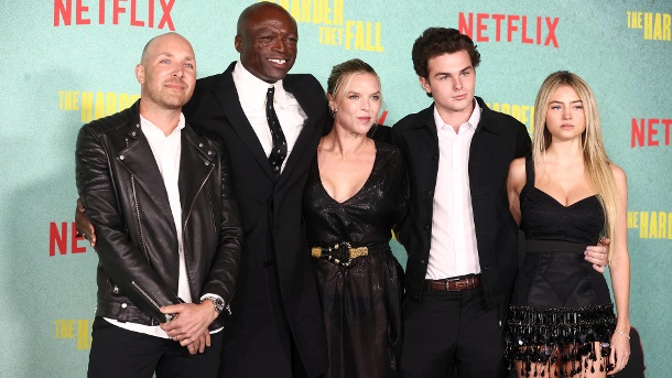 Seal, Laura Strayer, Aris Rechevski and Leni Klum: posing together for the photographers.  (Source: Rich Fury / Getty Images)