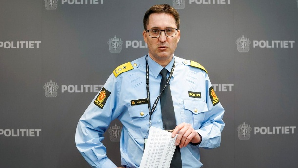 Police chief Ole Bredrup Sæverud at a press conference on Thursday: The victims were probably killed after the police had already been in contact with the perpetrator.  (Source: Reuters / Terje Pedersen)